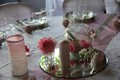 mariage-decoration-romantique-miroir-vase-boule-rose-gris-les-embellies-d-amelie02