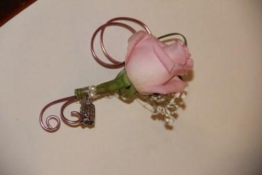 mariage-decoration-romantique-miroir-vase-boule-rose-gris-oiseaux-les-embellies-d-amelie07