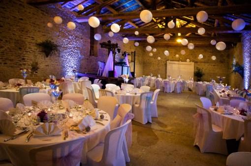 mariage-decoration-vase-martini-fleurs-les-embellies-d-amelie-domaine-albert-regards-complices08