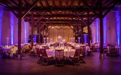 mariage-decoration-vase-tube-fleur-moderne-bougies-les-embellies-d-amelie-chateau-de-pizay-loovera-photographie03