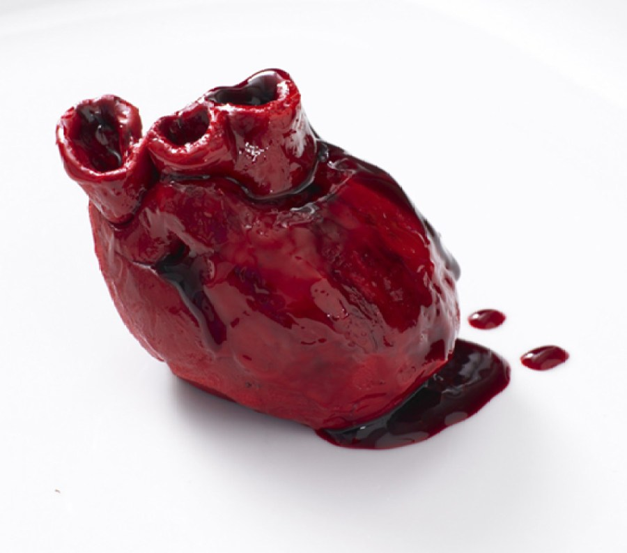 bleeding-heart-cake-1000x881