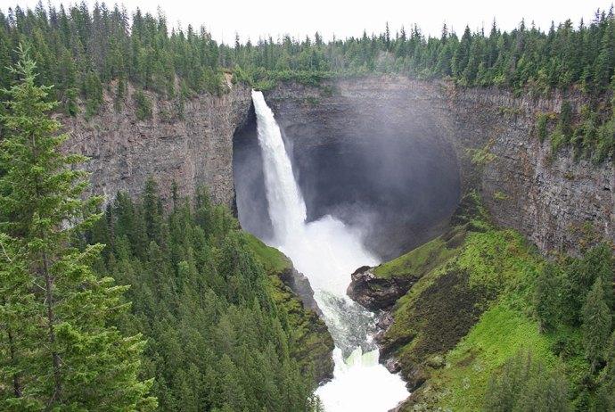 Helmcken Falls im Wells Grey Provincial Park