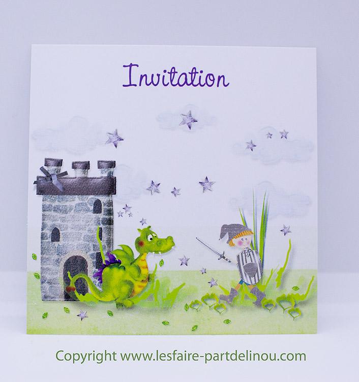 invitation anniversaire sur le theme d un petit chevalier au format 10 10 cm recto verso