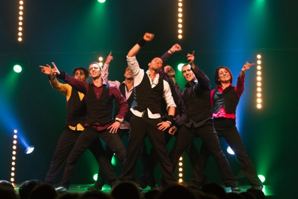 Spectacle Energie Positive : spectacle humour et danse hip hop sur scène Normandie Ile de France