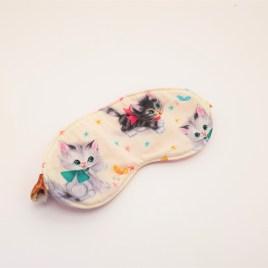 Masque de voyage chats rétro