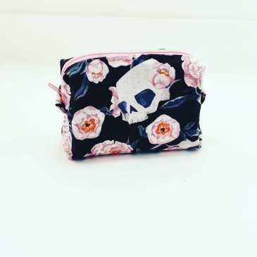 Porte monnaie têtes de mort et roses