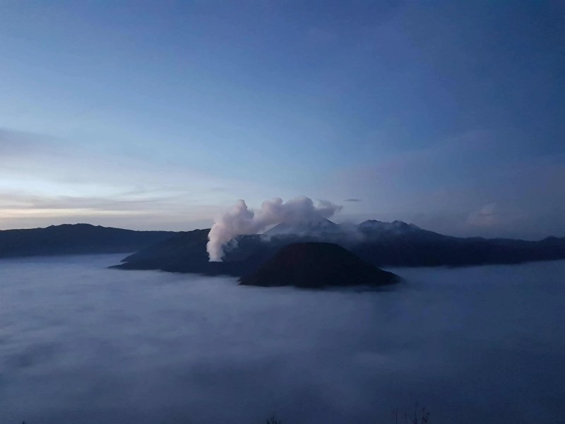 lever de soleil sur le Mont Bromo, Indonésia