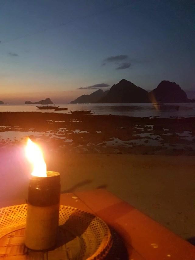 Philippines, Las Cabanas Beach au coucher du soleil 🌅 13