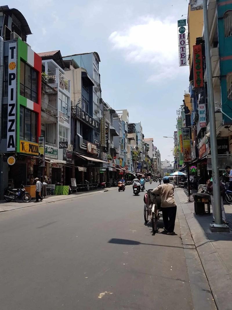 Vietnam, premiers pas dans la ville d'Hô Chi Minh 👟 1