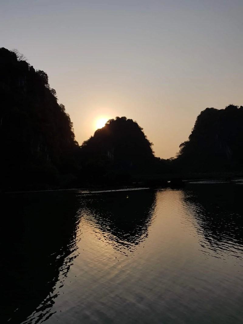 Vietnam, tour en bateau privé dans la baie d'Halong ⛵ 30