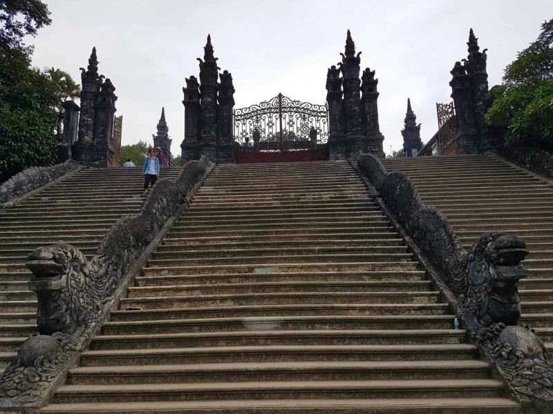 Vietnam, scotchés devant la beauté du mausolée de l'empereur Khai Dinh ⚰ 1