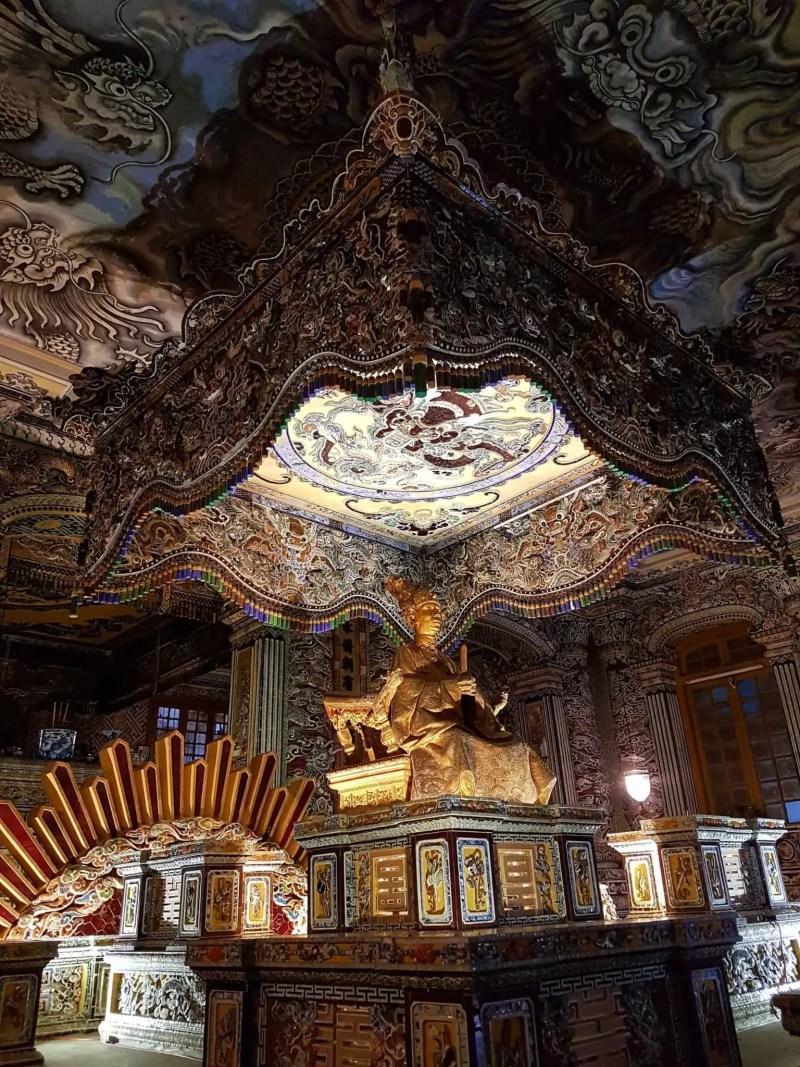 Vietnam, scotchés devant la beauté du mausolée de l'empereur Khai Dinh ⚰ 15