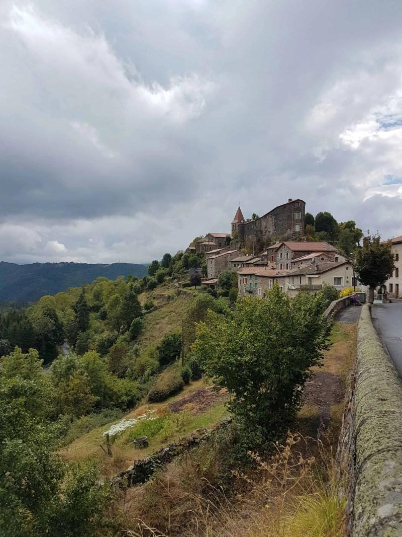 Chemin de Compostelle, poursuivi par la pluie jusqu'à Saint-Privat-d'Allier 🌧 11
