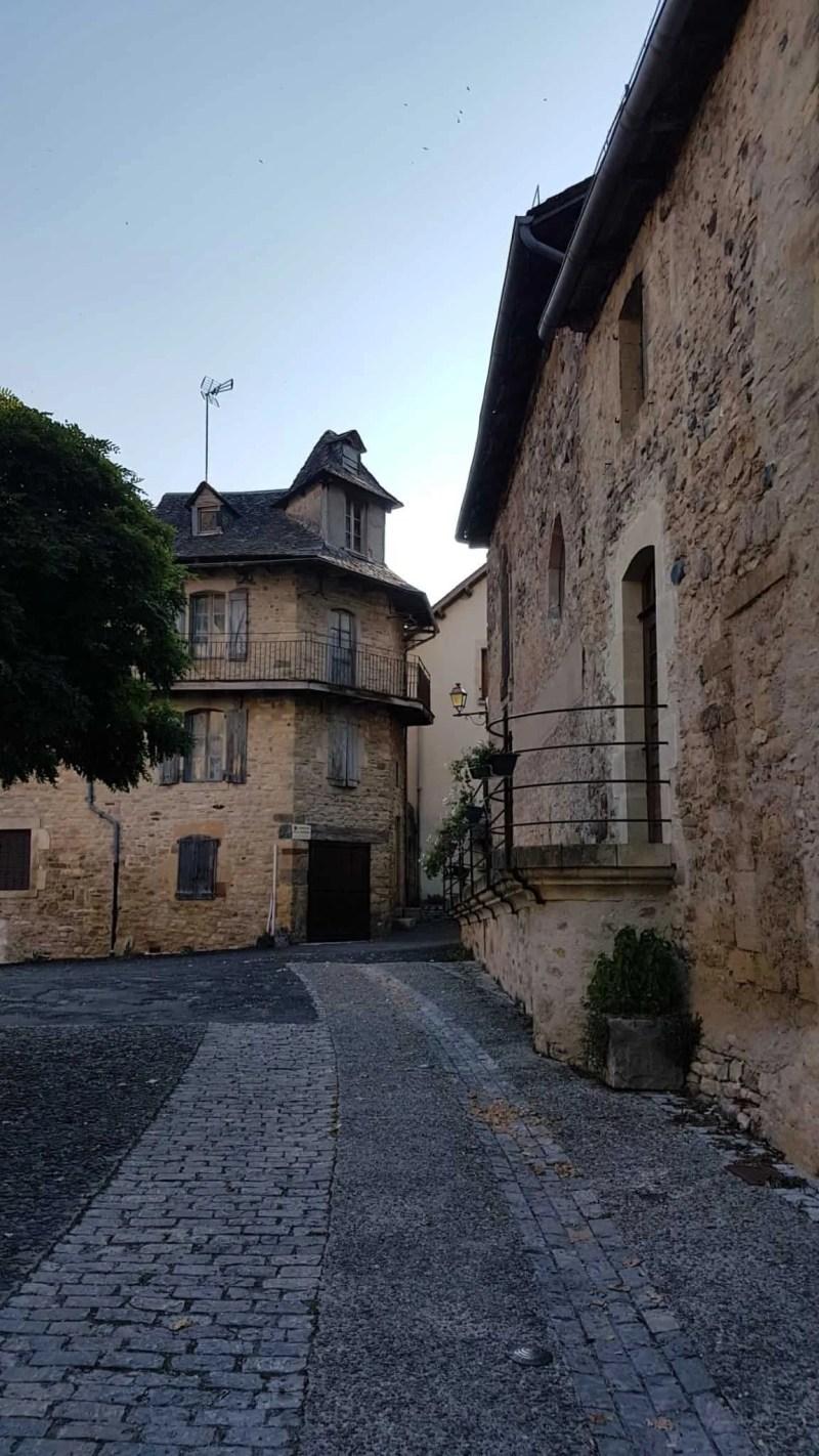 Chemin de Compostelle, une arrivée en beauté à Espalion 🏰 2