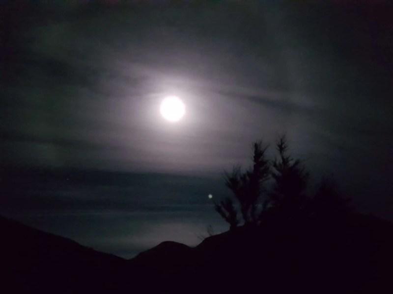 Nouvelle-Zélande, un magnifique lever de soleil depuis Isthmus Peak pour mes 30 ans 🎁 1