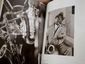 Album Reporters Sans Frontières 100 photos pour la liberté de la presse - JAZZ - saxophoniste