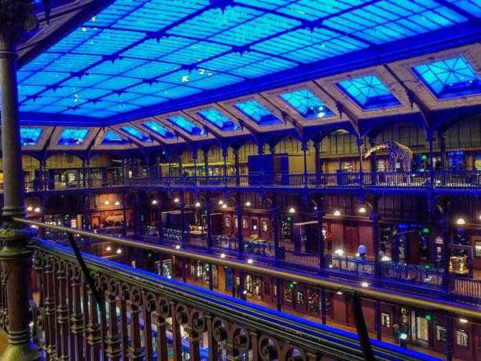 La verrière de la grande galerie de l'évolution de Paris