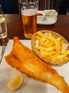 Fish and chips du restaurant North Sea Fish à Londres