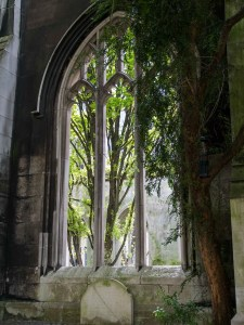 St-Dunstan-in-the-east-church-park-3