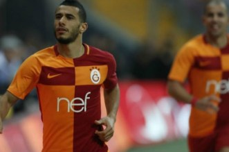 Hué à sa sortie, Younes Belhanda insulte les supporters de Galatasaray (VIDEO)
