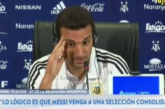 Tanger: situation embarrassante pour Scaloni (VIDEO)