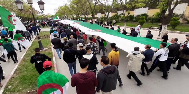 Algérie: ramadan ne freine pas les étudiants (video)