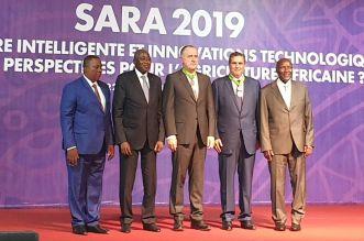 Aziz Akannouch reçoit une haute distinction à Abidjan