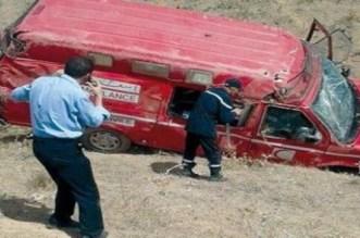 Une ambulance transportant une femme enceinte se renverse