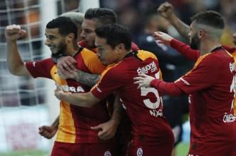 Younès Belhanda répond (sur le terrain) aux supporters du Galatasaray (vidéo)