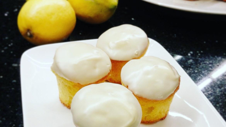 Cakes citronnés au chocolat blanc