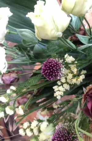 Bouquet blanc et violet