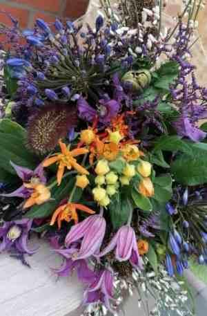 Bouquet de saison réconfort tons violet orange