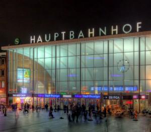 La gare centrale de Cologne, vue de la Cathédrale