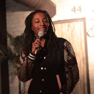 Interviews humour et stand-up : rencontre avec Shirley Souagnon avant le lancement de son spectacle Monsieur Shirley