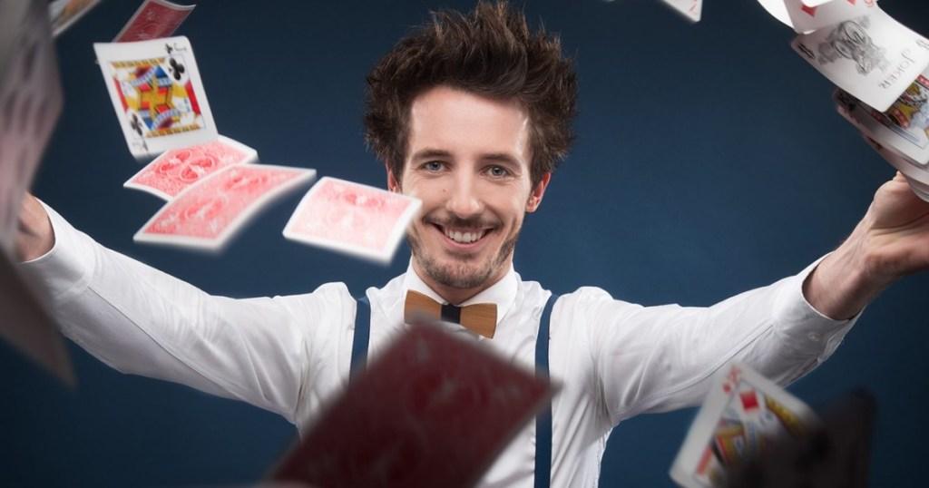 Gus, l'illusionniste en spectacle à Paris