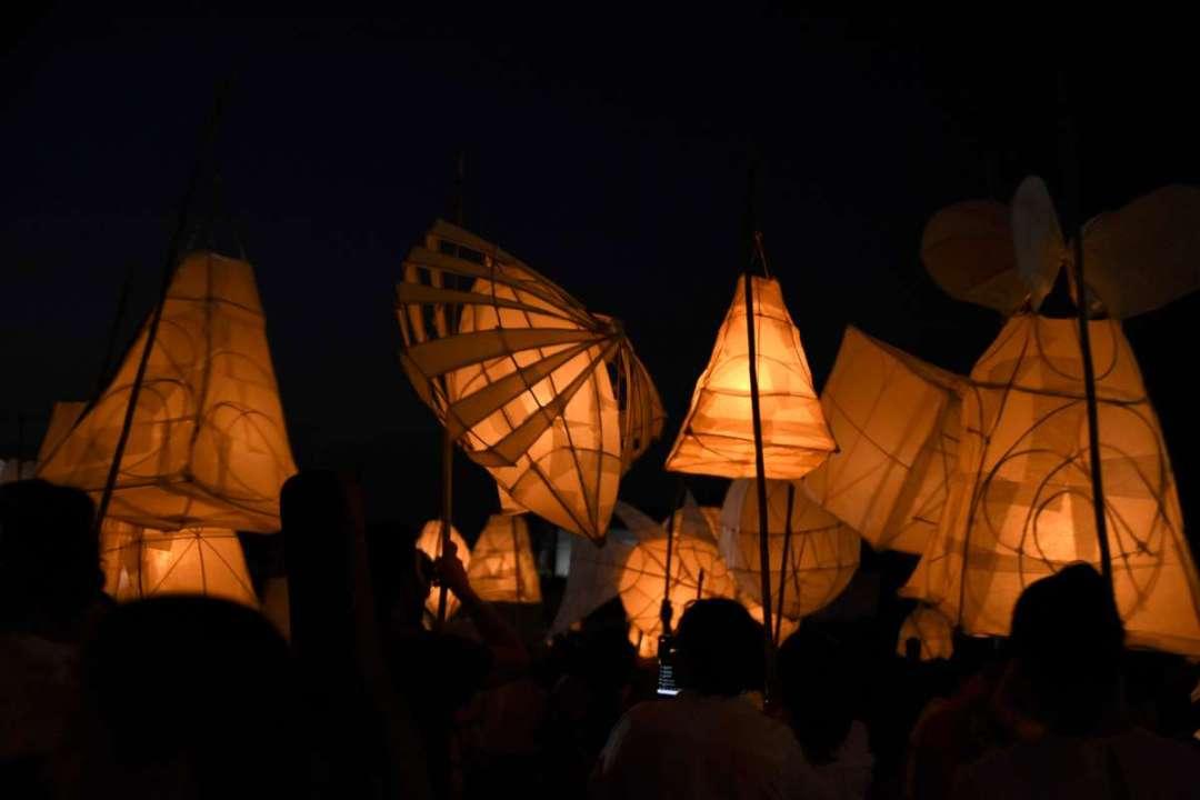 Pour un peu de soleil… de nouvelles photos des lanternes mexicaines, par Lena Vassiliu !