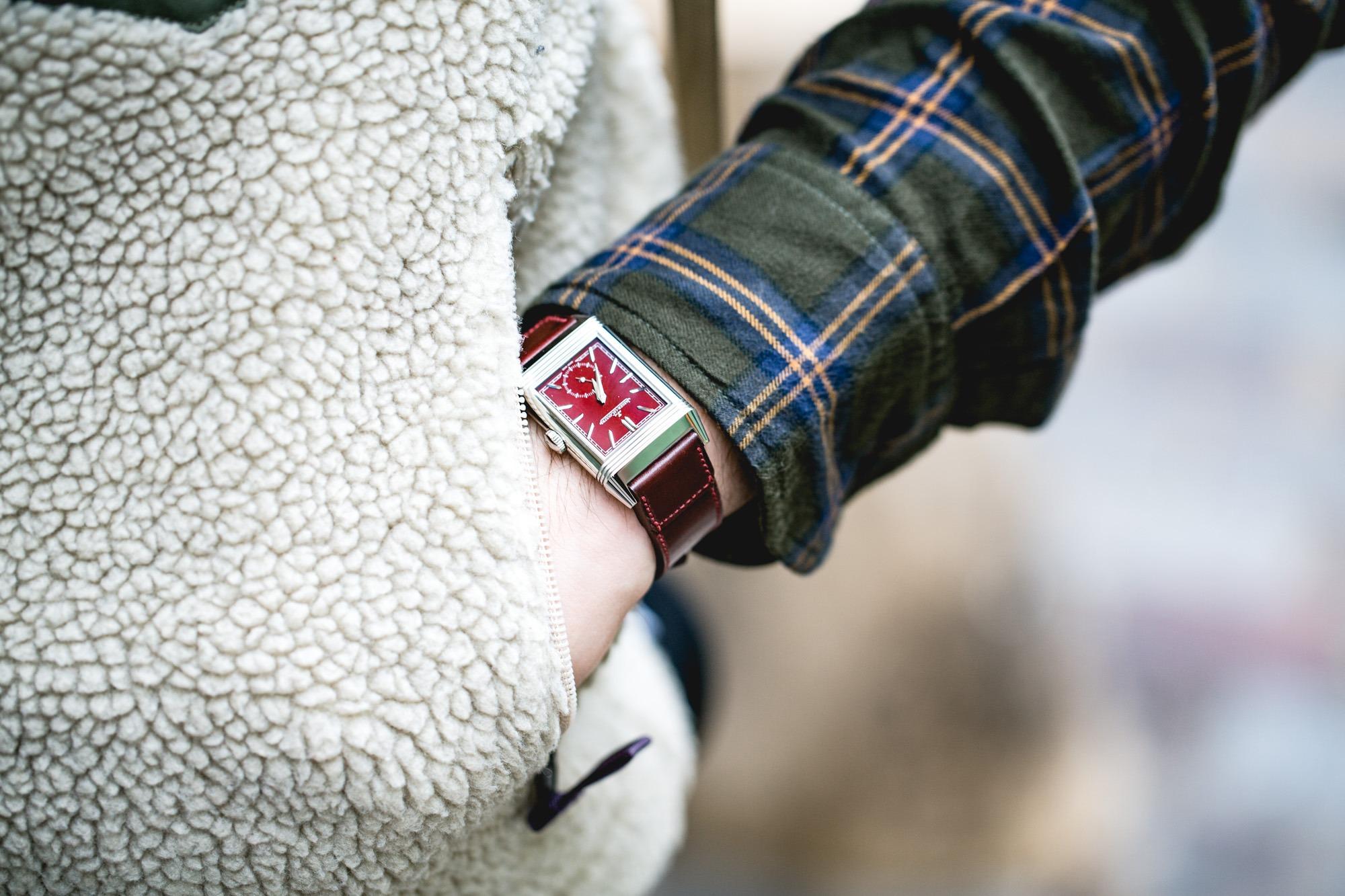 Jaeger-LeCoultre Reverso Tribute Small Seconds lie-de-vin - On the wrist