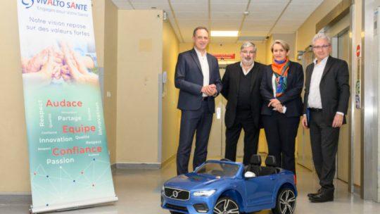 Volvo offre 20 voitures électriques pour enfant à des hôpitaux avec Les Z'enfants de l'Auto