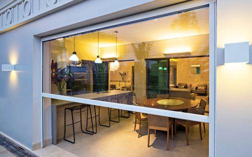 La linea sole per ombreggiare e oscurare: Tenda Cristal Trasparente Con Guide Per Verande E Chioschi