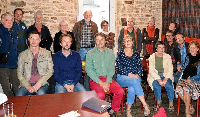 Les représentants des associations réunis mercredi à Quimper pour préparer la...