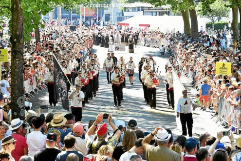 The Great Interceltic Parade was a success, with 70,000 spectators.