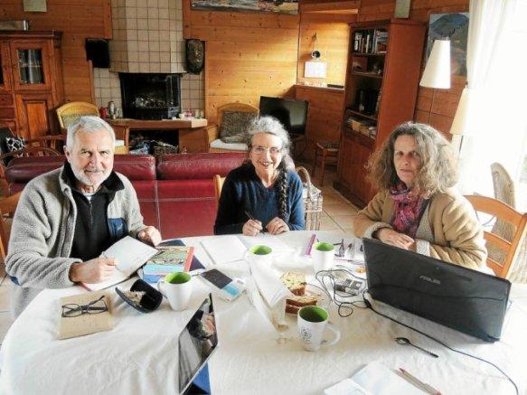 Gérard Salou, Hélène Néraud et Sylvie Moreau, trois membres de la commission artistique, ont validé le programme de l'année.