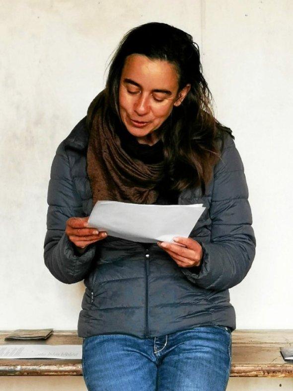 Laure Samama a lu ses textes aux membres de la commission artistique.