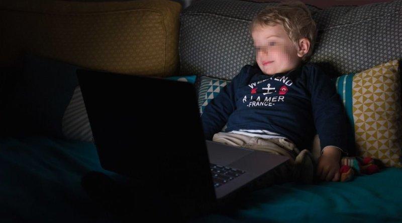 cervello bambini e tablet pc cellulari