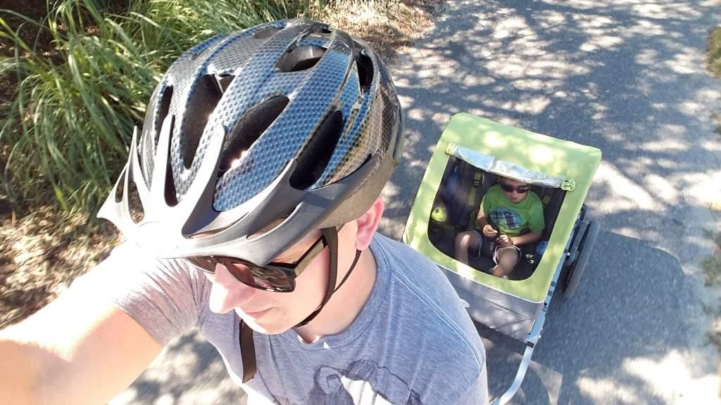 biking on 30A with child trailer