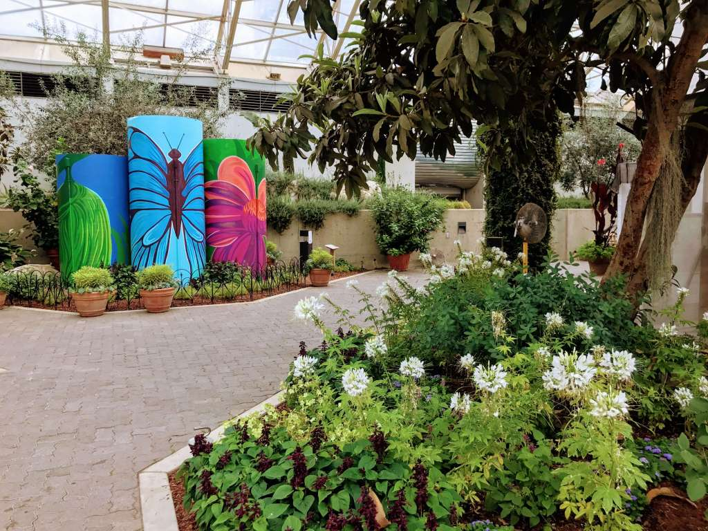 Botanical Gardens in Fort Wayne, Indiana are perfect for kids