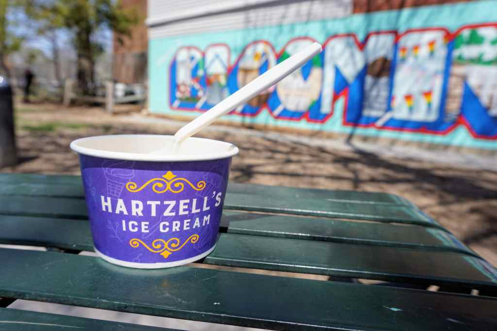 Restaurants Bloomington Indiana with Kids - Hartzell's ice cream