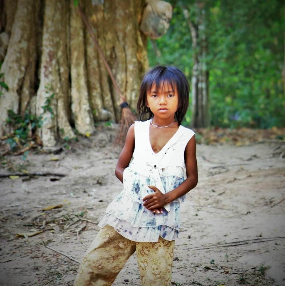 enfant angkor vietnam
