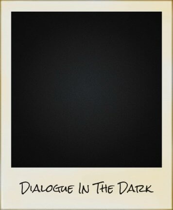 Pieds dans le noir