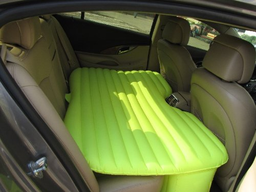 Matelas-gonflable-voiture-photo